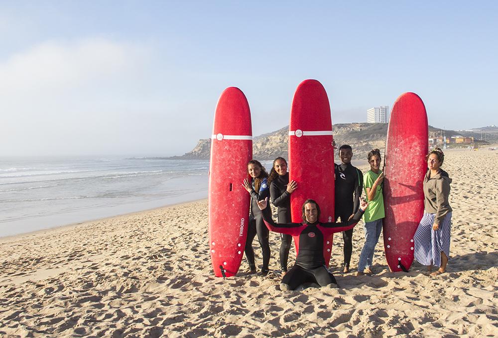 surfcamp360-surf-lesson-socializing